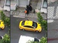Taksi şoförü, doğumu başlayan kadını araçtan attı!
