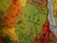 Sudan'da protestocular, hükümet binalarını yaktı