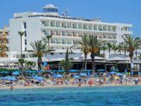 Güney Kıbrıs: 'Tatile gel, virüs kaparsan tedavi bedava'