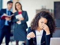 Hollanda'da 35 yaşın altındaki kadın memurlar düzenli olarak işyerinde tacize uğruyor
