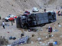 Peru'da otobüs kazası: 21 ölü