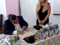 Hasan Çakmak Kitaplarını Zayder Üyeleri İçin İmzaladı
