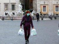 İtalya, Covid-19 riski taşıyan ülkelerden yolcu girişini yasakladı
