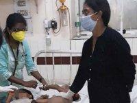 Hindistan'da son 24 saatte Covid-19 nedeniyle 380 kişi hayatını kaybetti