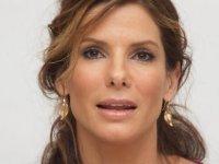Sandra Bullock televizyonda itiraf etti: Genç görünmek için çocuk derisi enjekte ettiriyor