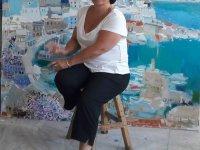 """Sanatçı Ketevan Shalamberidze, Kıbrıs Modern Sanat Müzesi için """"Aysel"""", """"Kırmızı Çatılar ile bir şehir"""" ve """"Pozitif enerji"""" adlı üç eserini sanatseverlerin beğenisine sundu"""