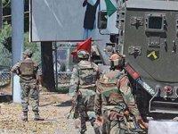 """Pakistan: """"Keşmir'de Hindistan tarafından açılan ateş sonucu biri asker 2 kişi öldü"""""""
