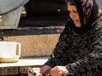 AB, Türkiye'deki sığınmacılara kişi başı her ay 17 euro yardımda bulunuyor
