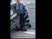 Kayıtlar ortaya çıktı: Katil zanlısı polis, 'Beni öldüreceksin adamım' diyen Floyd'a 'O zaman bağırmayı kes' demiş