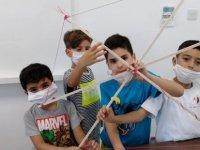 Geleceğin Dahi Çocukları Özay Günsel Çocuk Üniversitesinde Deneyerek Öğreniyor...