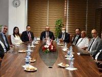 Milli Eğitim Bakanı Çavuşoğlu DAÜ'yü ziyaret etti