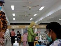 Singapur'da genel seçimler virüs gölgesinde yapılıyor