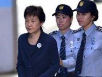 Güney Kore'nin eski Devlet Başkanı yolsuzluk dolayısıyla 20 yıl hapse mahkum edildi