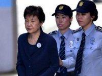 Güney Kore eski Devlet Başkanı yolsuzluktan 20 yıl hapse mahkum edildi