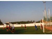 Meclis Futbol Takımı ile KKTC Masterlar Takımı futbol karşılaşmasında karşı karşıya geldi