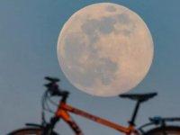 Ay, sanılandan 85 milyon yıl daha gençmiş
