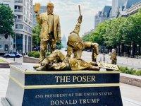 ABD'nin Başkenti Washington Dc'de Trump Karşıtı Heykeller Dikildi