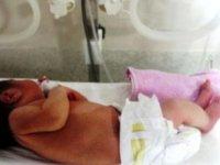 Yeni Doğmuş Bebeğini Bakamayacağı İçin Hastaneye Bıraktı