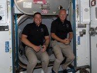 ABD'li astronotlar Space X aracıyla dünyaya döndü