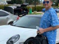 Bilgisayarda hazırladığı çekle Porsche satın aldı