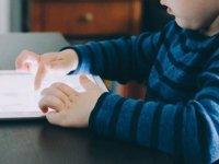"""Uzmanından """"Çocukların Dijital Ekrandan Uzak Tutulması"""" Uyarısı"""