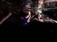 Tedavi amaçlı başladığı yüzmede madalyalara doymuyor