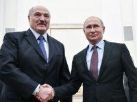 Putin, seçimleri önde tamamlayan Lukaşenko'yu tebrik etti