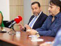Bağımsız Cumhurbaşkanı Denktaş, Kamusen'i Ziyaret Etti