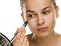 Göz altı morlukları: Neden olur, nasıl geçer?