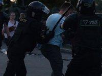 Belarus'ta Protestocuların Hükümet Binası Önündeki Eylemi Sona Erdi