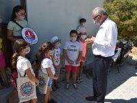 Girne Belediyesi Çocuk Meclisi Hayvan Barınağını Ziyaret Etti