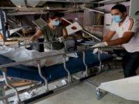 Beyrut'taki Patlama Kovid-19 Vakalarının Zirveye Çıktığı Lübnan'da Hastaneleri De Vurdu