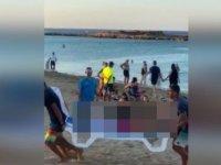 Bir Çocuk, Denizde Aslanbalığı Saldırısına Uğradı