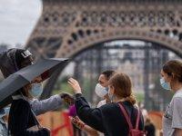 Fransa'da Son 24 Saatte 5 Bin 413 Kovid-19 Vakası Tespit Edildi