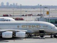 Etihad Havayolları, yolcularının gittikleri yerde Covid-19'a yakalanmaları halinde tedavi masraflarını karşılayacak