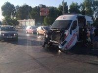 Lefkoşa'da Ambulans ve Kamyon çarpıştı