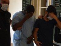 Lefkoşa'da ağacın altında uyuşturucu bulan polis pusu kurdu,suçüstü yaptı