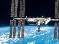 Uluslararası Uzay İstasyonu çarpışmadan manevrayla kurtuldu