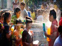 Tayland'da Su Bayramı çoşkuyla kutlanıyor! 191 Ölü!