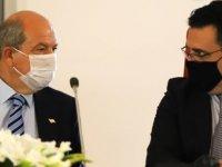 Başbakan Tatar DAÜ'yü Ziyaret Etti
