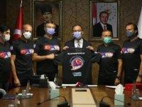 Türkiye Gençlik Ve Spor Bakanı, Kktc'ye kadar yüzen sporcularla bir araya geldi