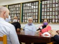 Denktaş'tan Şehit Aileleri ve Malul Gaziler Derneği'ne ziyaret