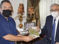 Akıncı, Orman Dairesi Eski Müdürlerinden Altay Fırat'ı kabul etti