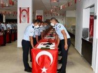 Yemin eden 100 polis göreve başladı