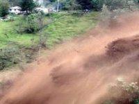 Pakistan'da toprak kayması: 10 ölü