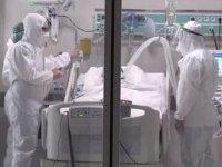 Doktor: Yoğun bakımdaki hastalar bir nevi bebek gibi oluyor