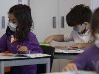 Bilim Kurulu Üyesi: Okulda olmayan çocuklarda pozitifleşme daha yüksek