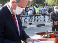 Cumhurbaşkanı Tatar, Atatürk Anıtı'na Çelenk Sundu