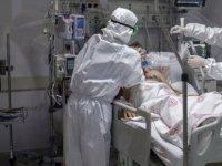 Türkiye'de Sağlık çalışanlarına istifa yasağı geldi; yıllık izinler durduruldu