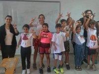 Özay Günsel Çocuk Üniversitesi Öğrencileri, Çevrimiçi Devam Eden Eğitim Programıyla İşaret Dili Öğreniyor...